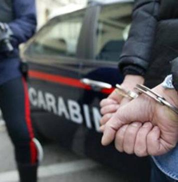 carabinieri manette