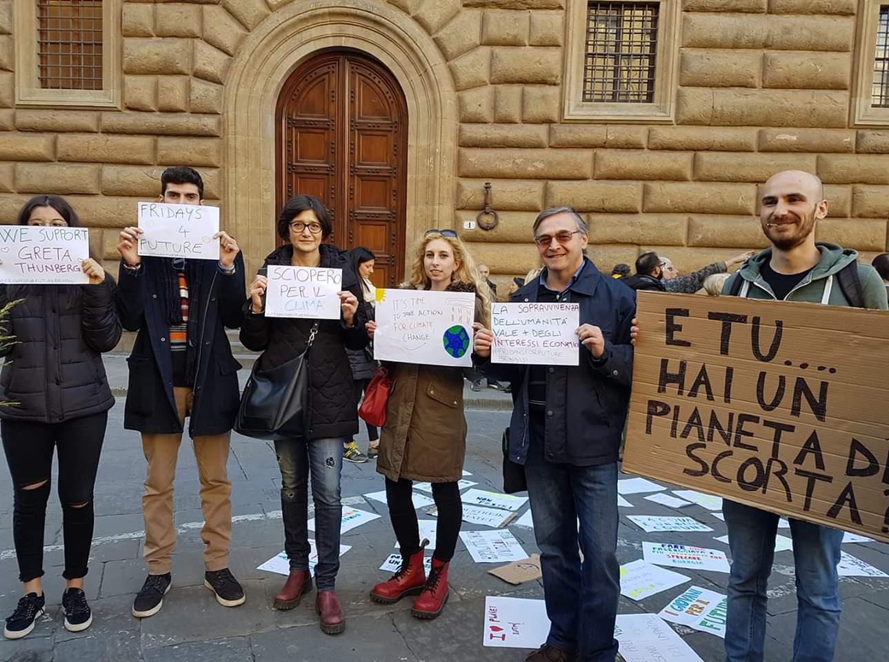 """Friday For Future: """"Friday For Future"""": Venerdì Incontro In Piazza Vittoria"""